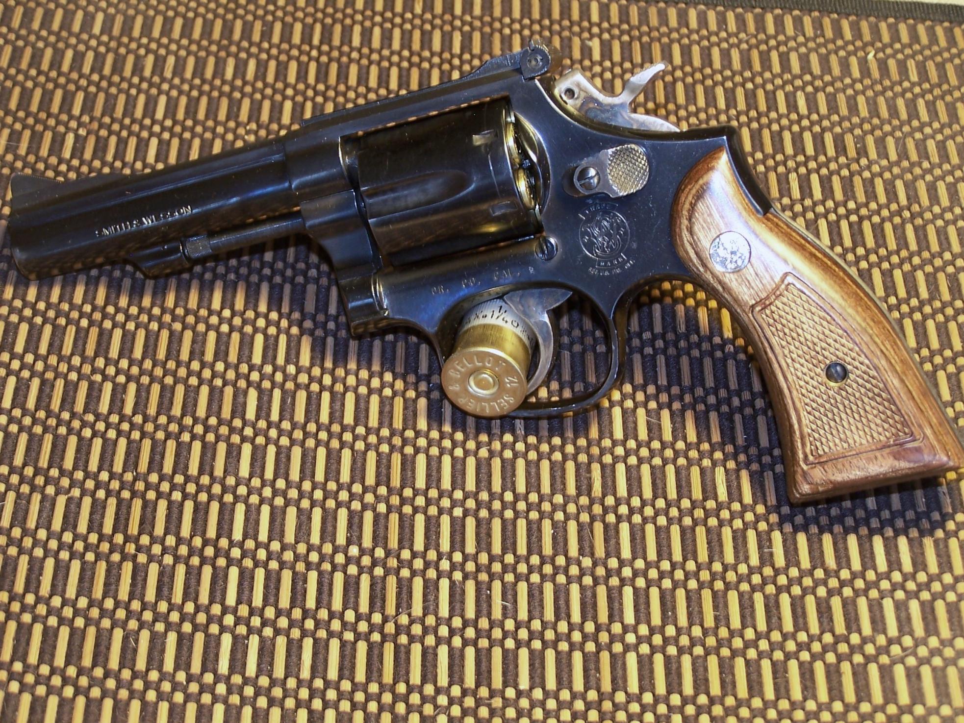 Revolver Lover Scores At Gunshow-005.jpg