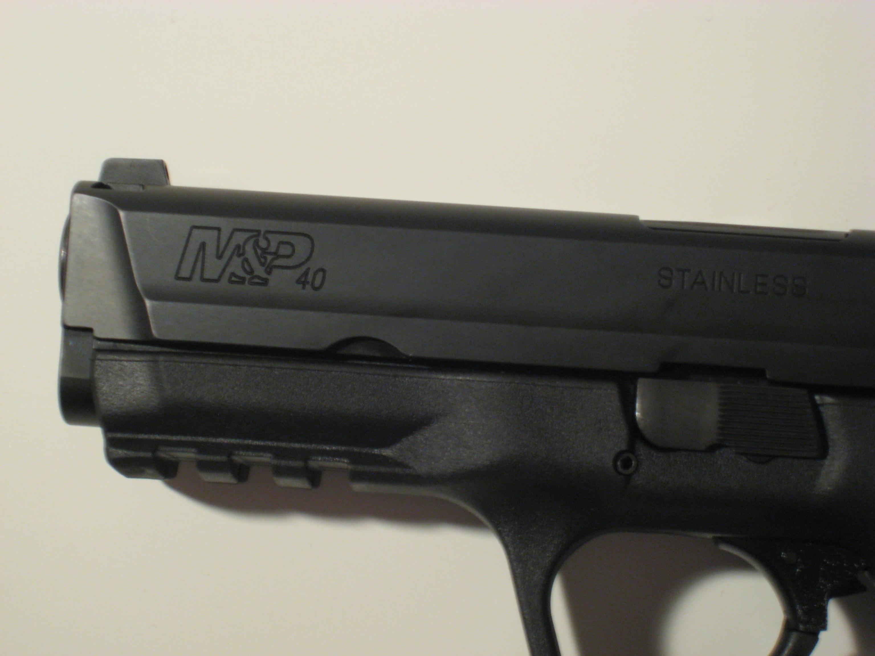 my brand new .40 M&P-005.jpg