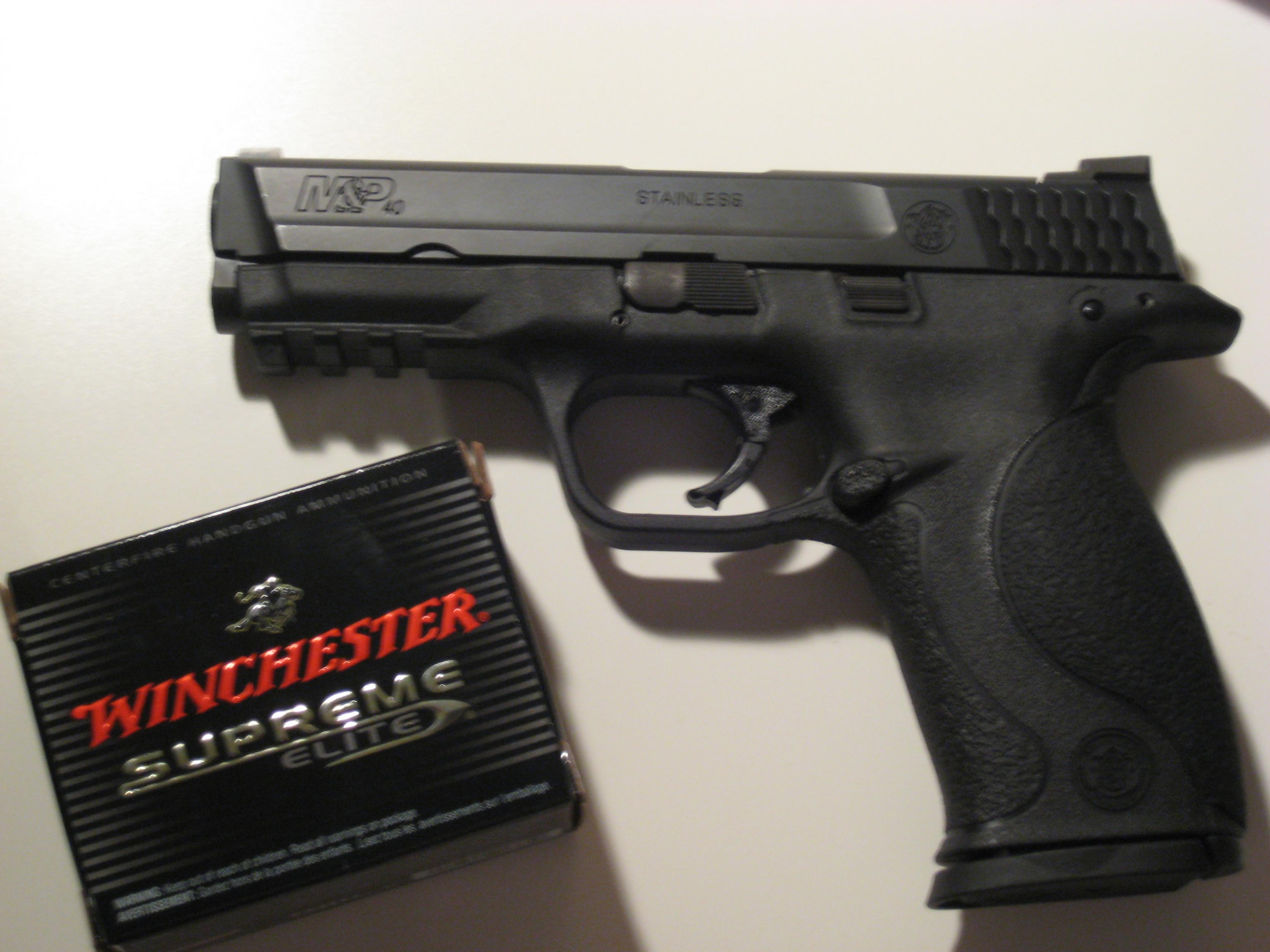 my brand new .40 M&P-006.jpg