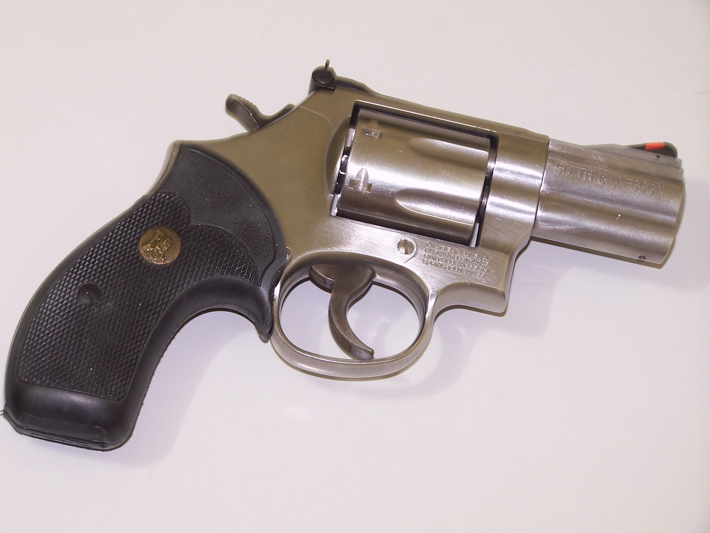 Revolvers -- 7 or 8rd, high performance, concealable-010.jpg
