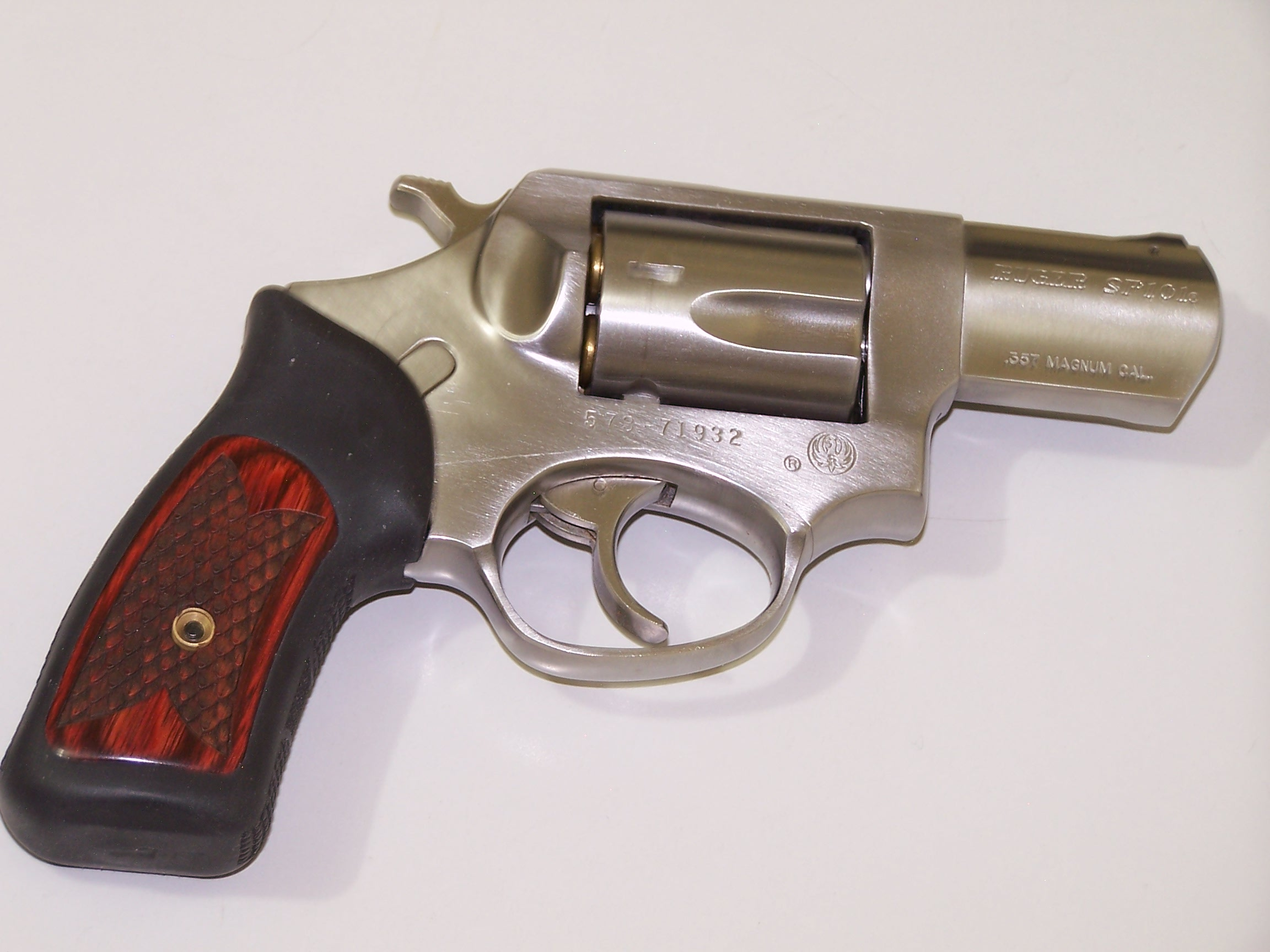 Revolvers -- 7 or 8rd, high performance, concealable-012.jpg