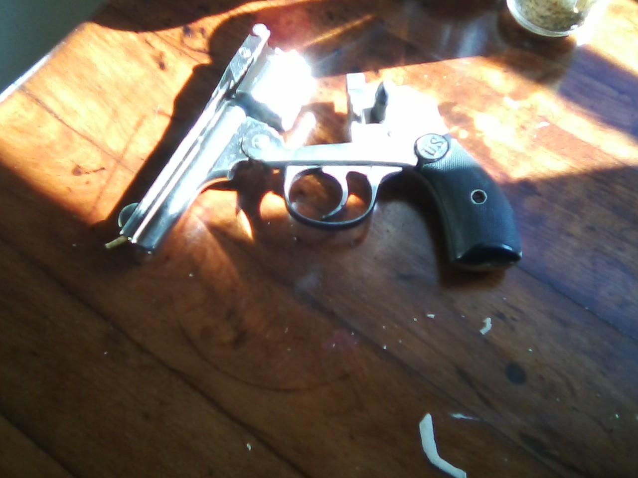 U.S. Revolver Company .32 five shot revolver-0218131142-00.jpg