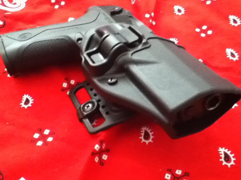 do you like blackhawk serpa holsters?-072.jpg
