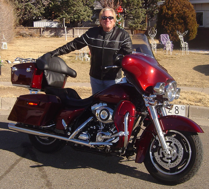 Fanny pack on a motorcycle-08streetglide.jpg