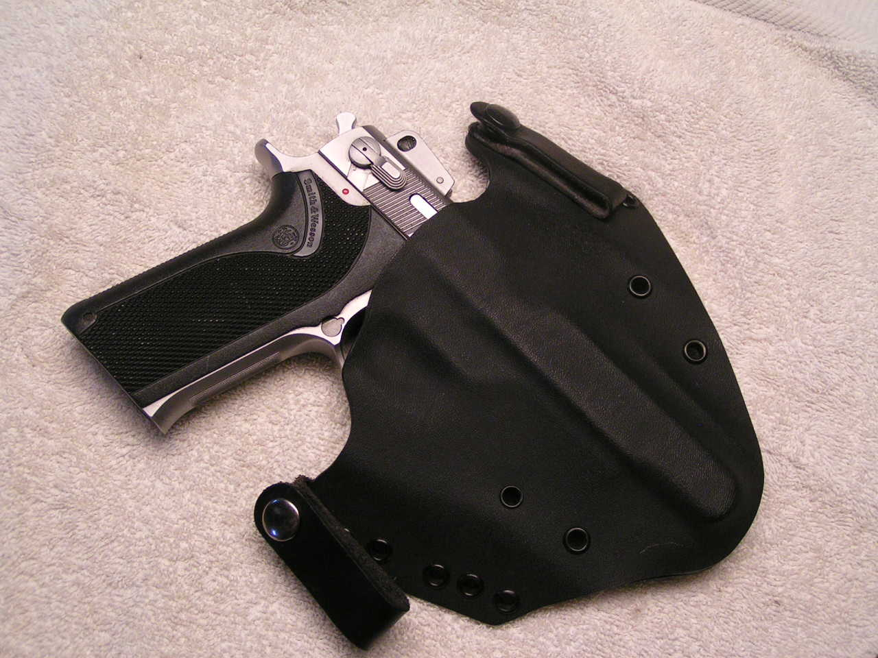 Need a holster ...-1006-10mm-020.jpg