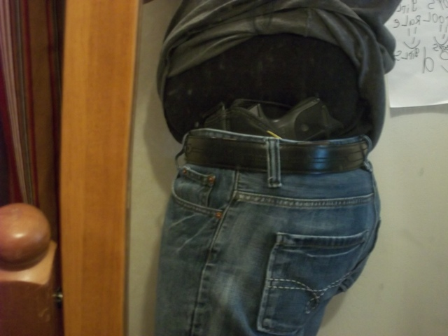 Let's See Your Pic's - How You Carry Concealed.-100_0148.jpg