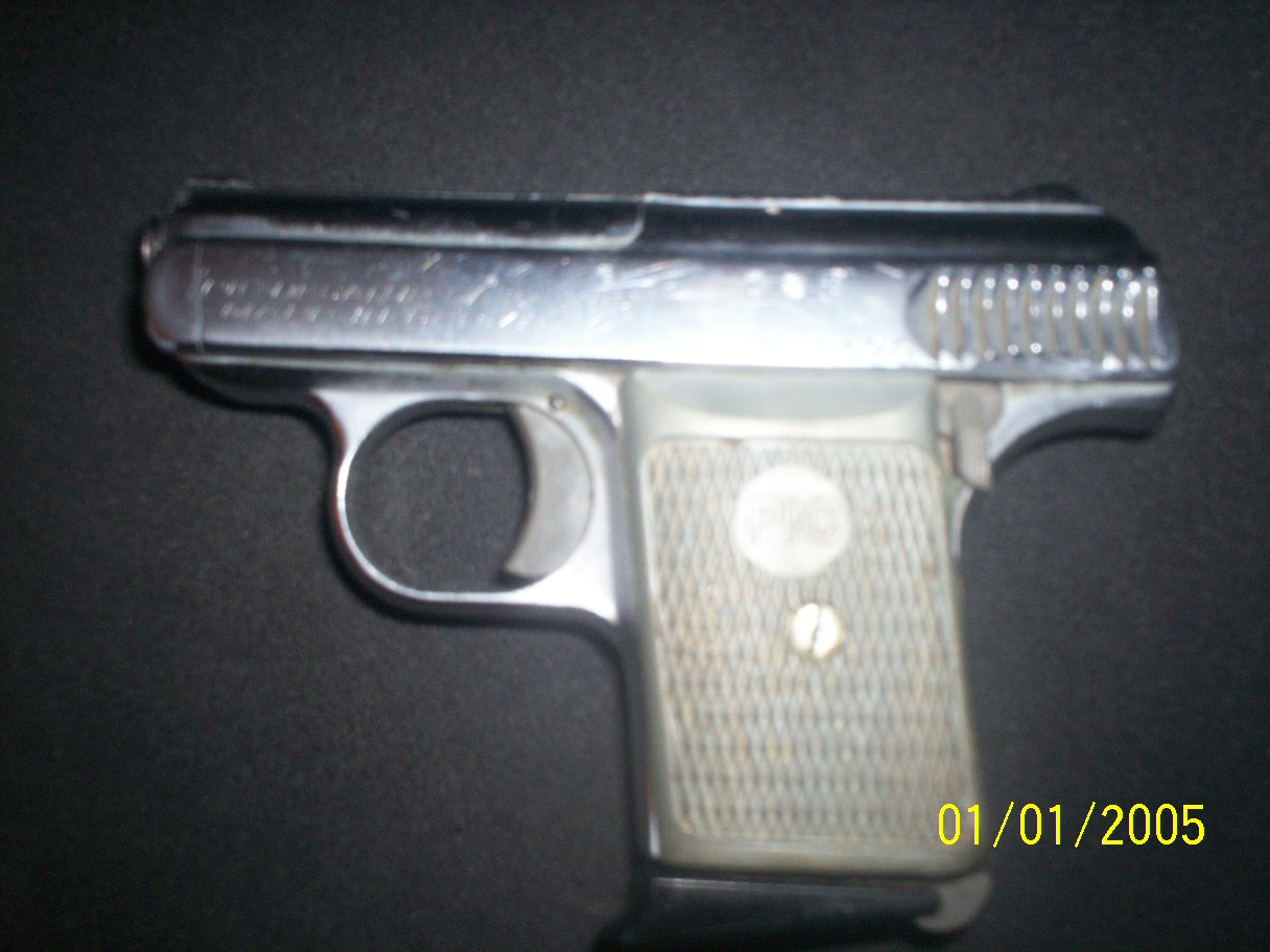 Know Anything About this old model pistol?-100_0458.jpg