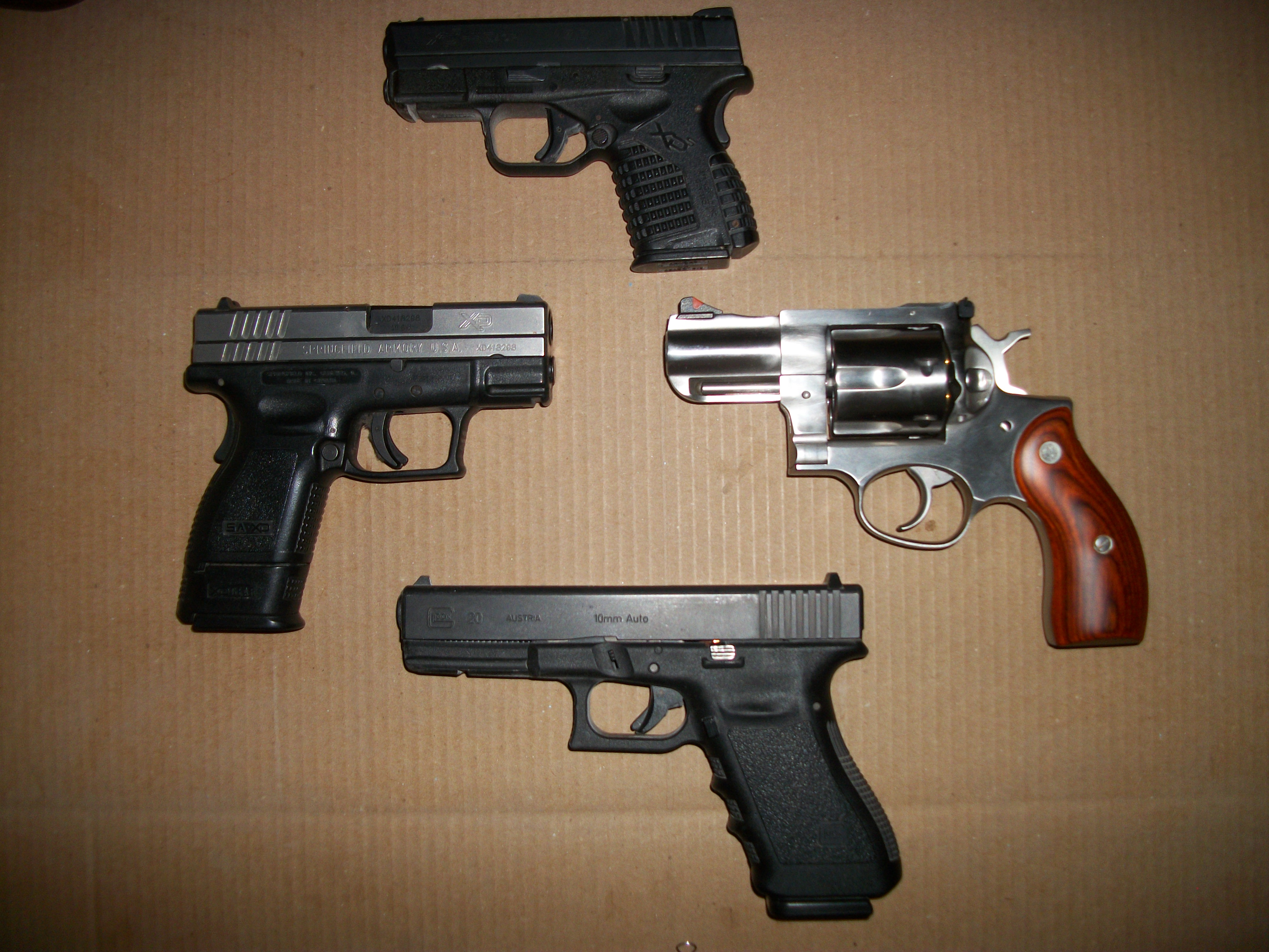 Do you carry 2 guns?-100_0760.jpg