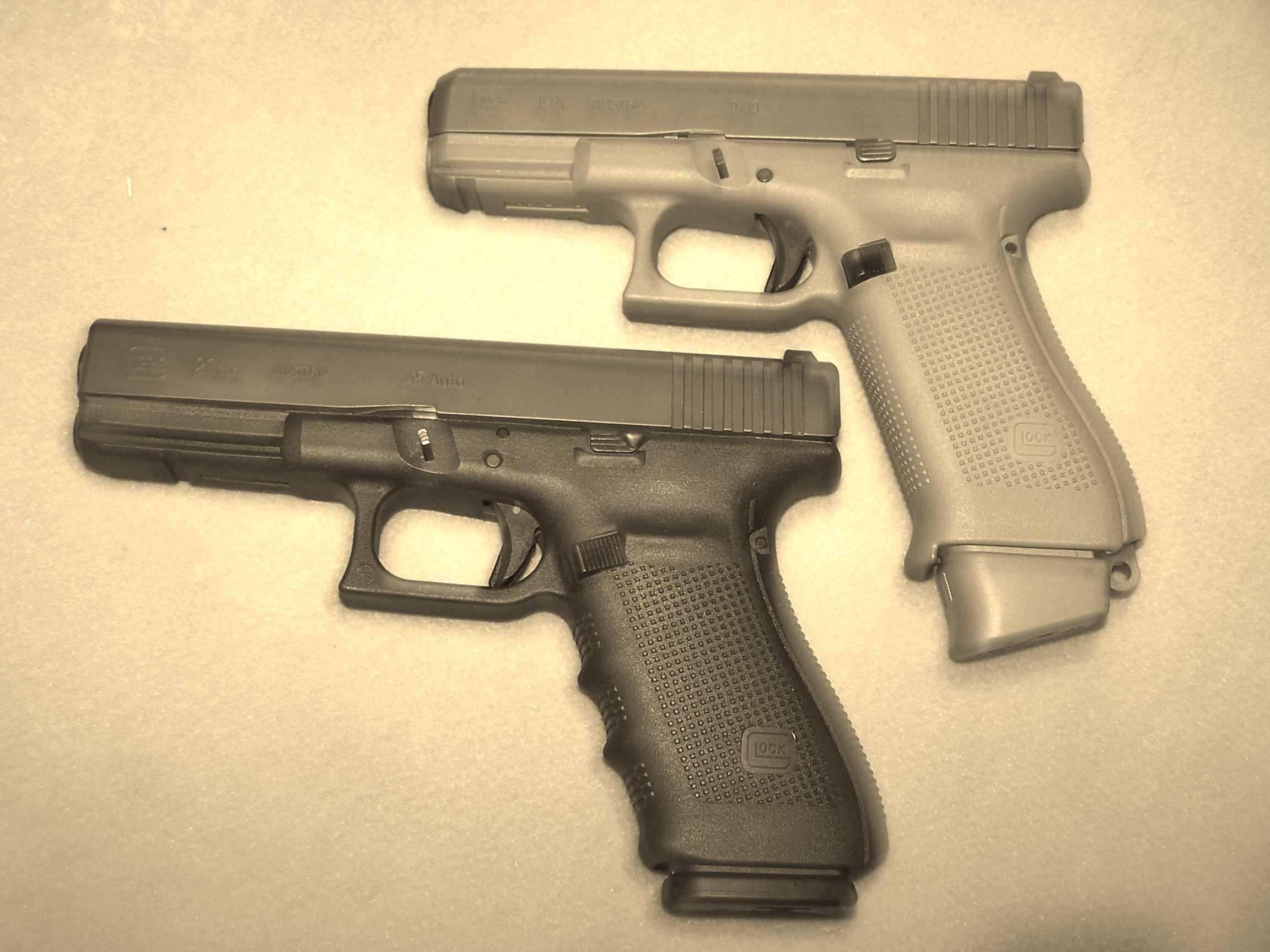 Who is the biggest Glock fan on this forum?-100_1622.jpg