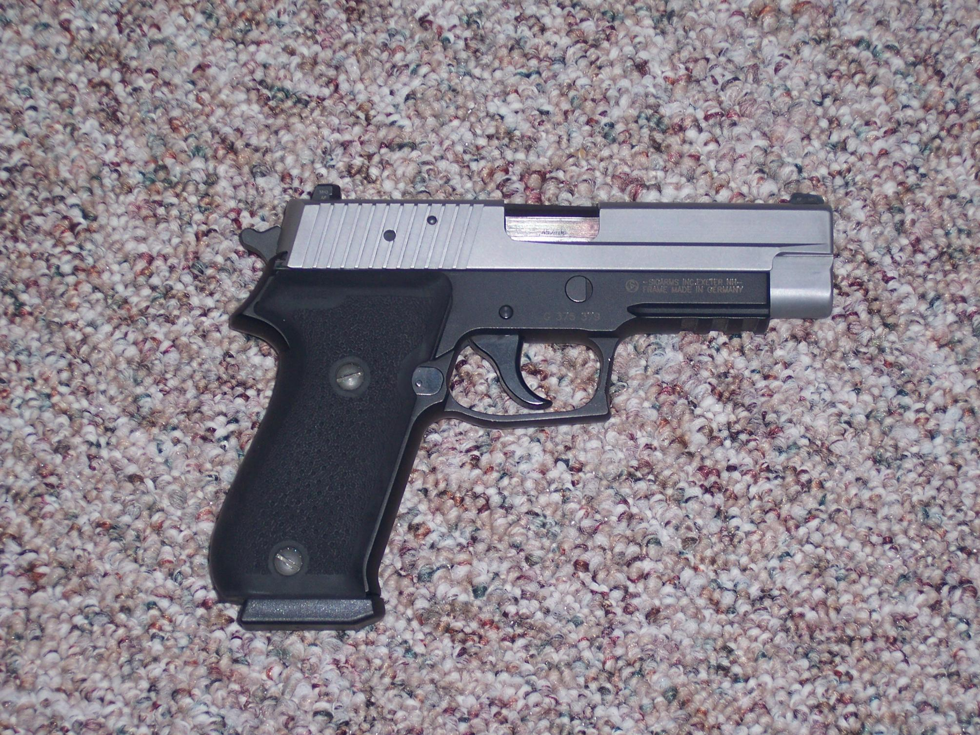 Pic Request: Sig P220 and Springfield XD-100_2116.jpg