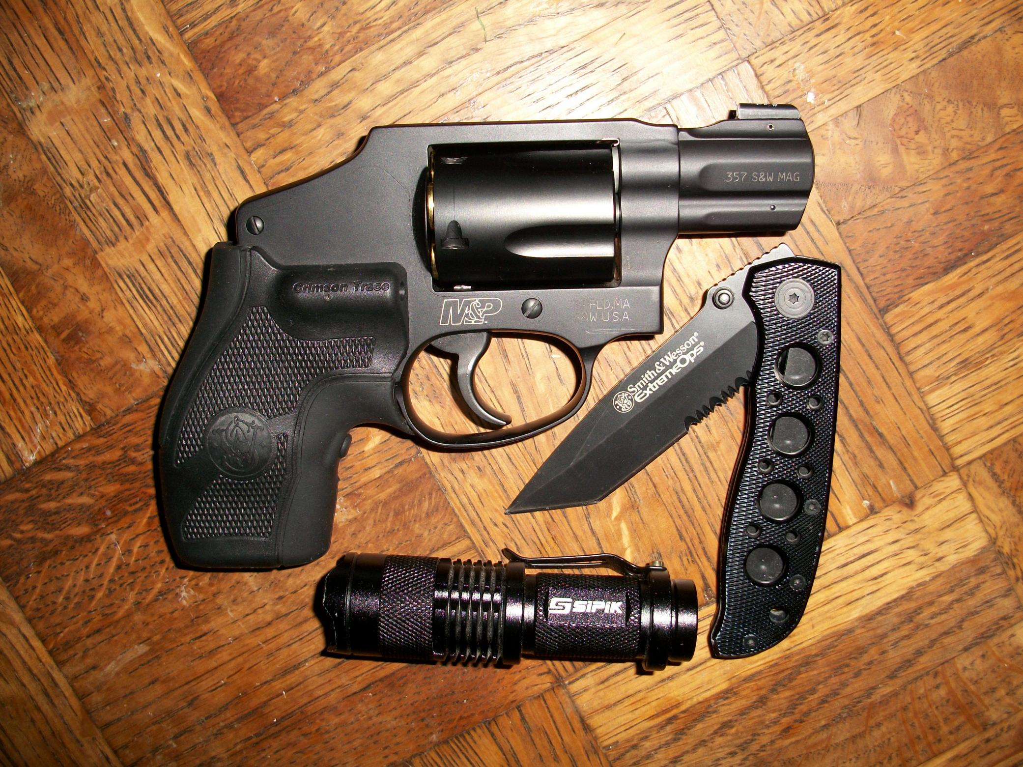 Smith & Wesson 340 Pocket Carry-100_3695.jpg