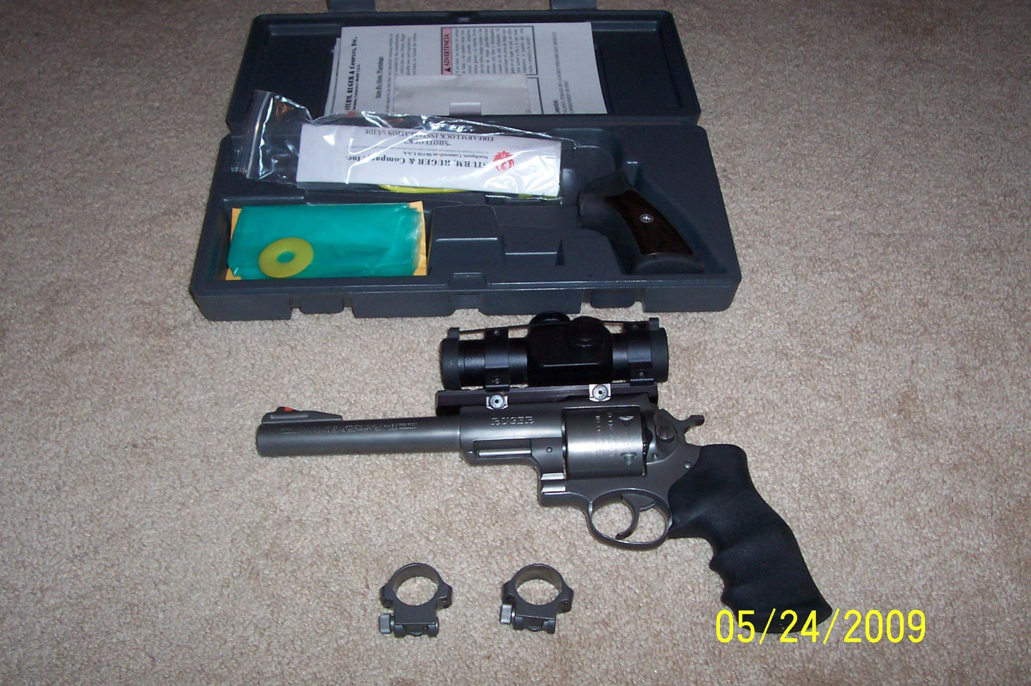 WTS Practically New Ruger Super Red Hawk .454 Casull w/ Bushnell Red Dot Scope : [NC]-100_3986.jpg
