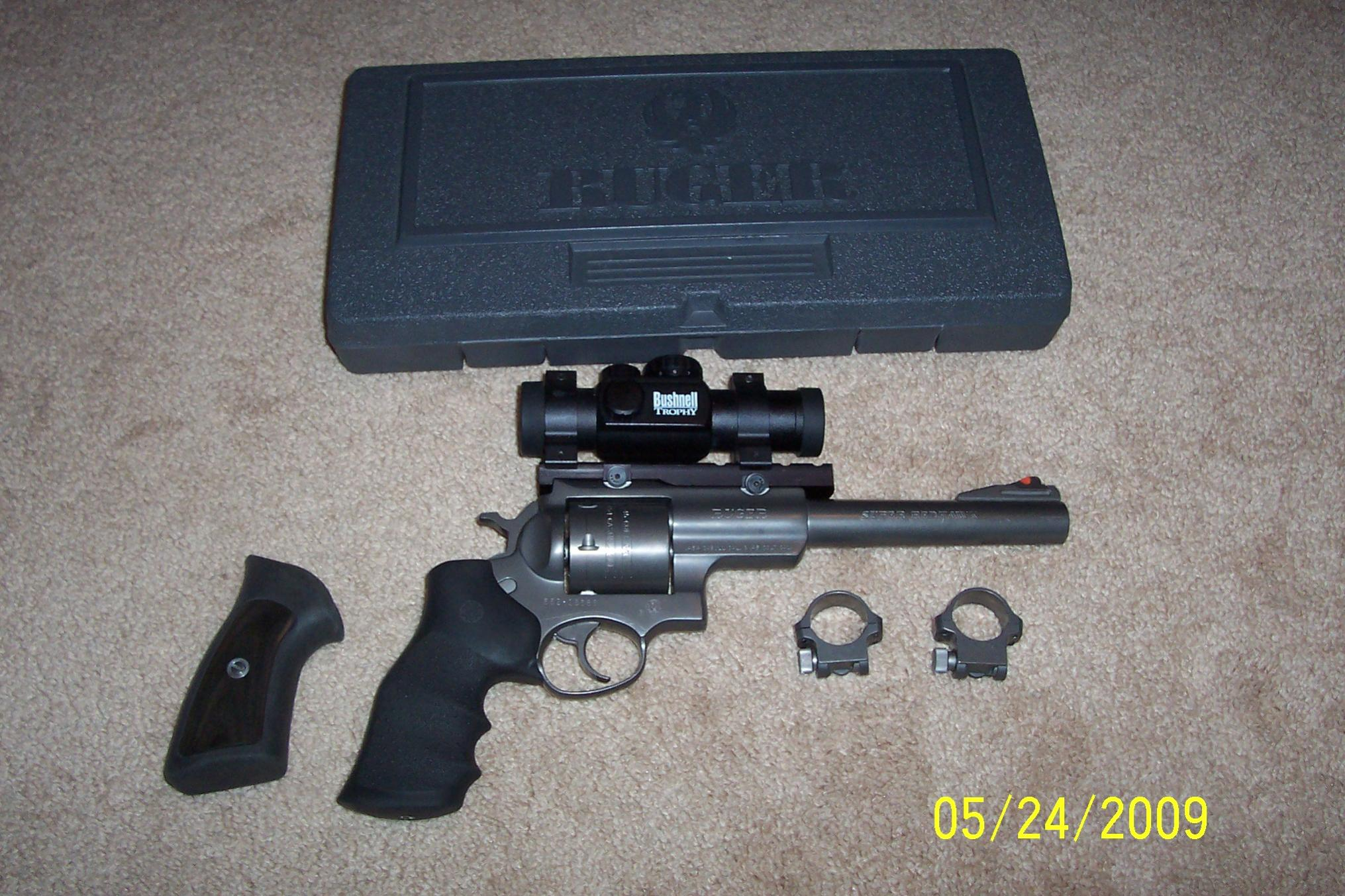 WTS Practically New Ruger Super Red Hawk .454 Casull w/ Bushnell Red Dot Scope : [NC]-100_3988.jpg
