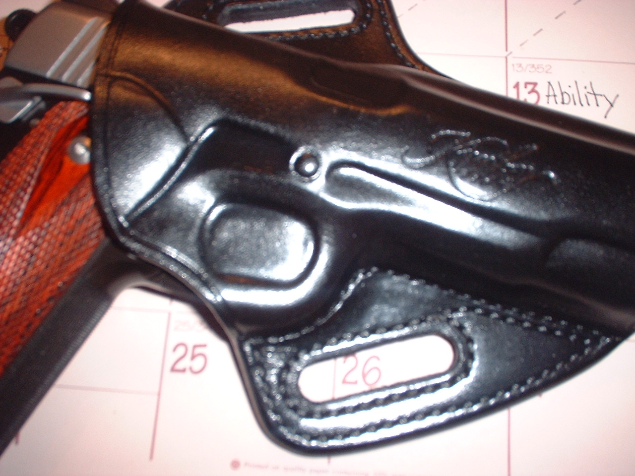 Galco Concealable...quality control?-2000_031769scotts0001.jpg