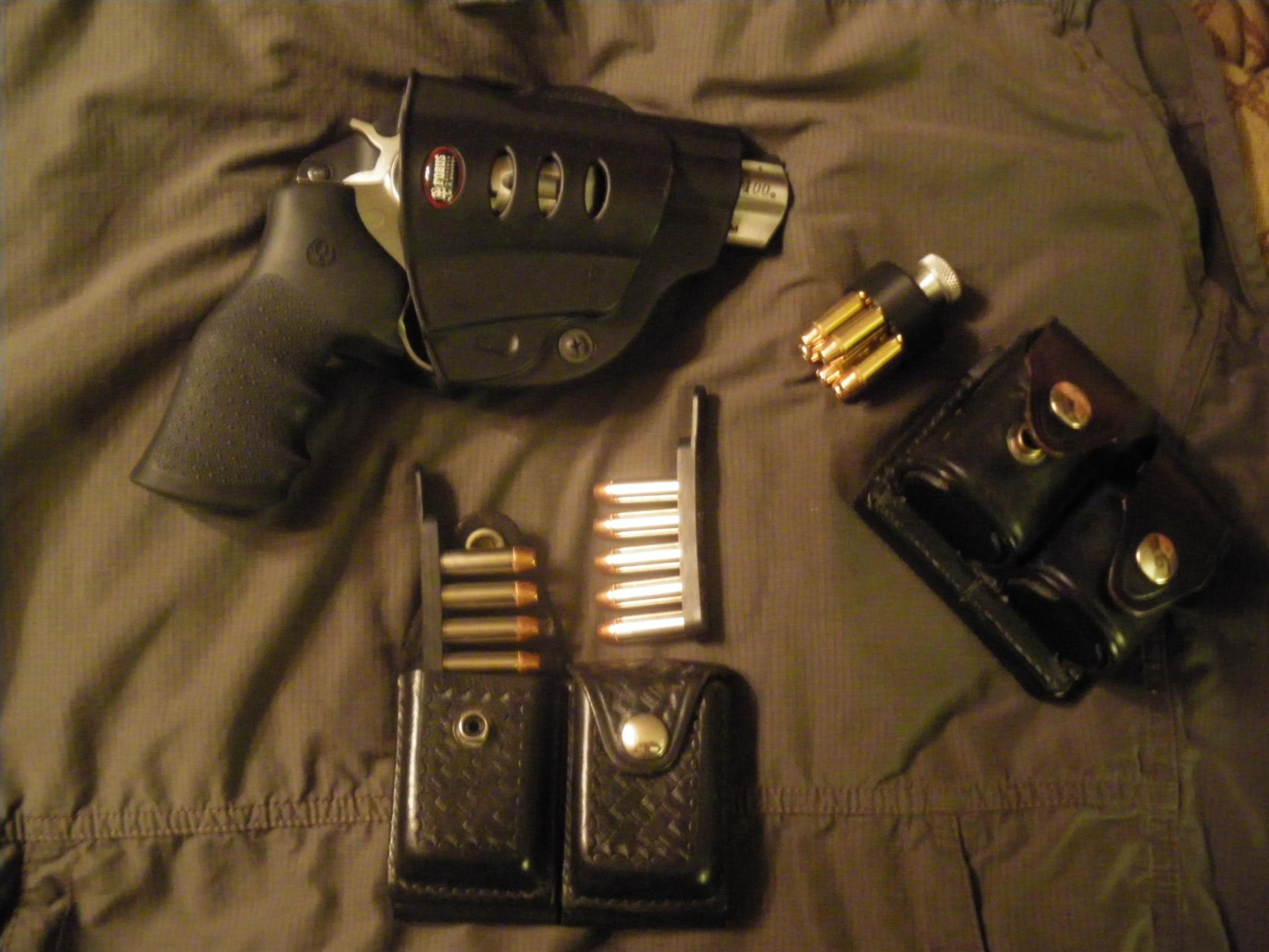 A New Sixgun and some old Don Hume leather....-2012-08-19-08.05.41.jpg