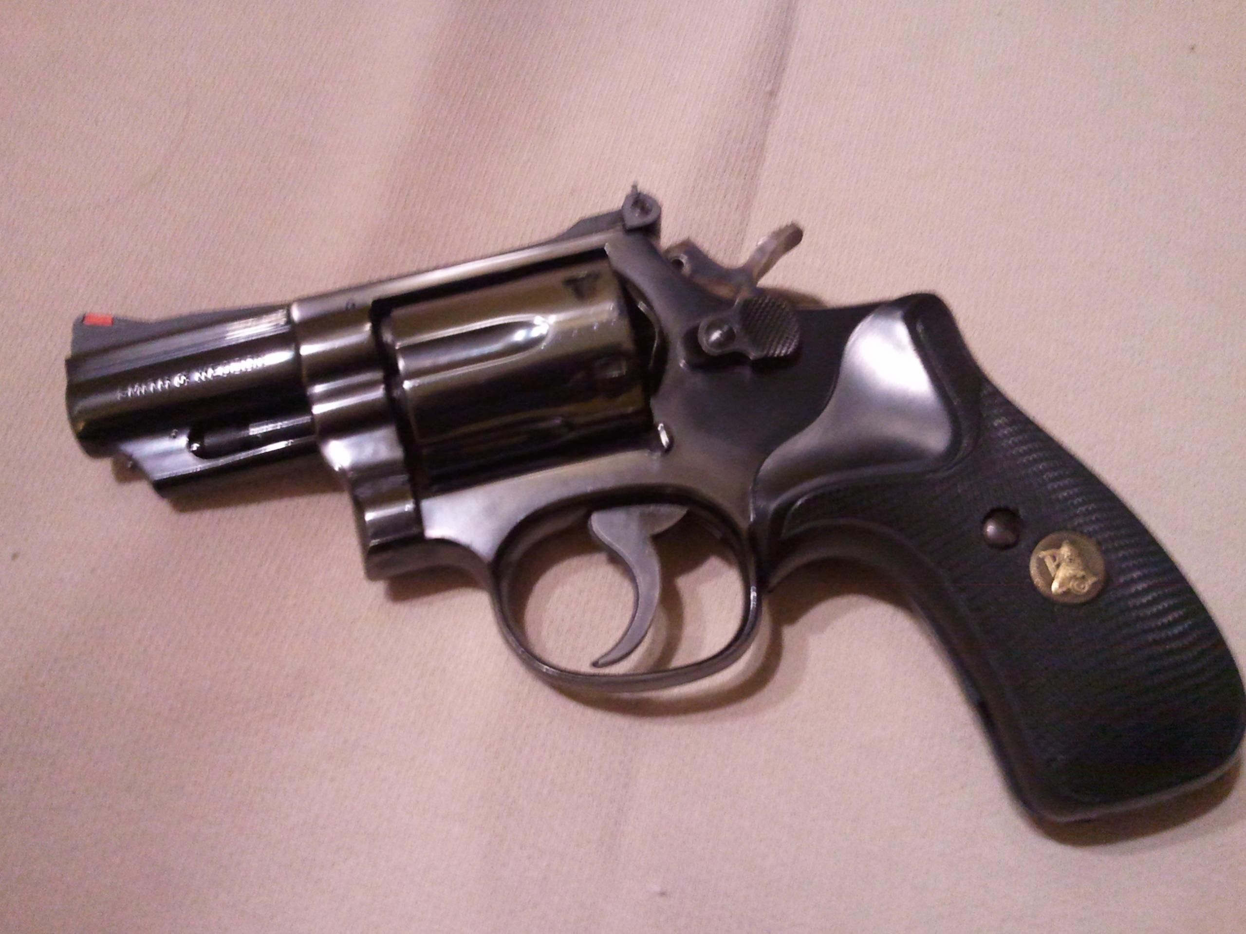 "WTS Smith and Wesson Model 19 2.5"" Barrel K frame. Central Ohio-2012-10-03-19.29.08-1-.jpg"
