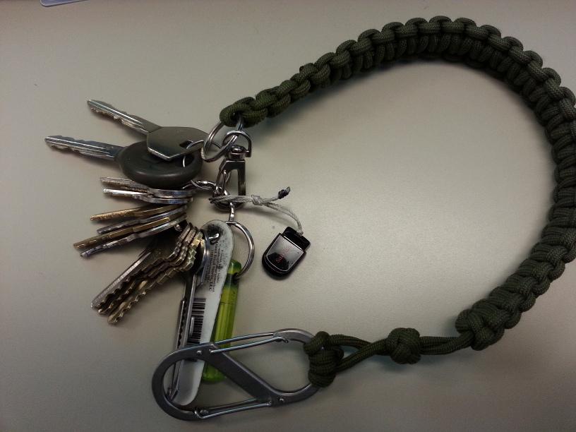 Paracord Bracelet-20130510_171040_sm.jpg