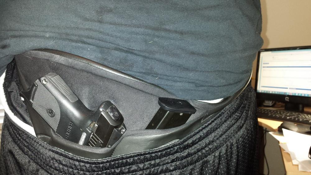 Help me find a good holster folks!-20130607_121837a.jpg