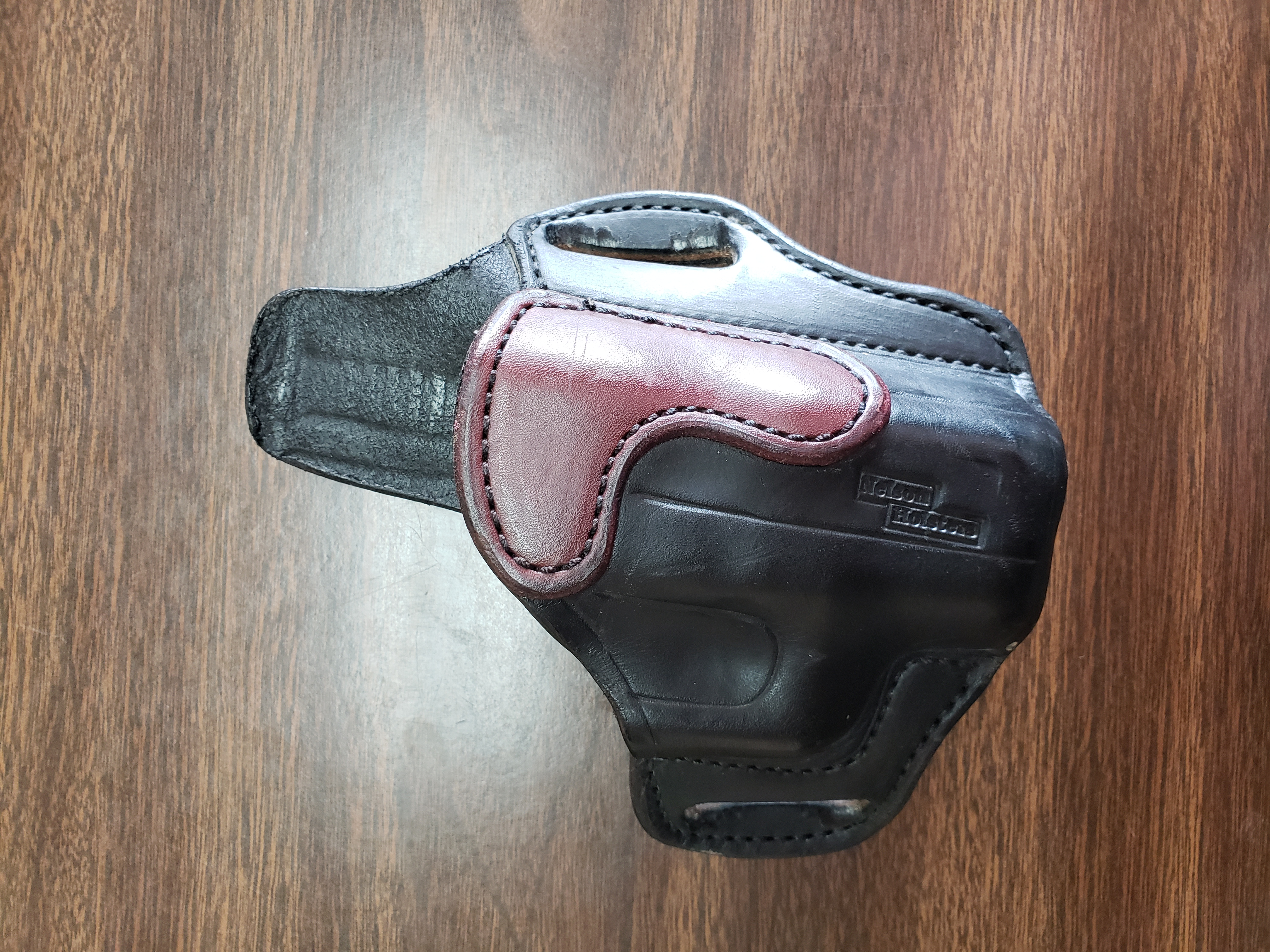 WTS Nelson Leather Glock 26 Holsters-20180926_111457_1537978822636.jpg