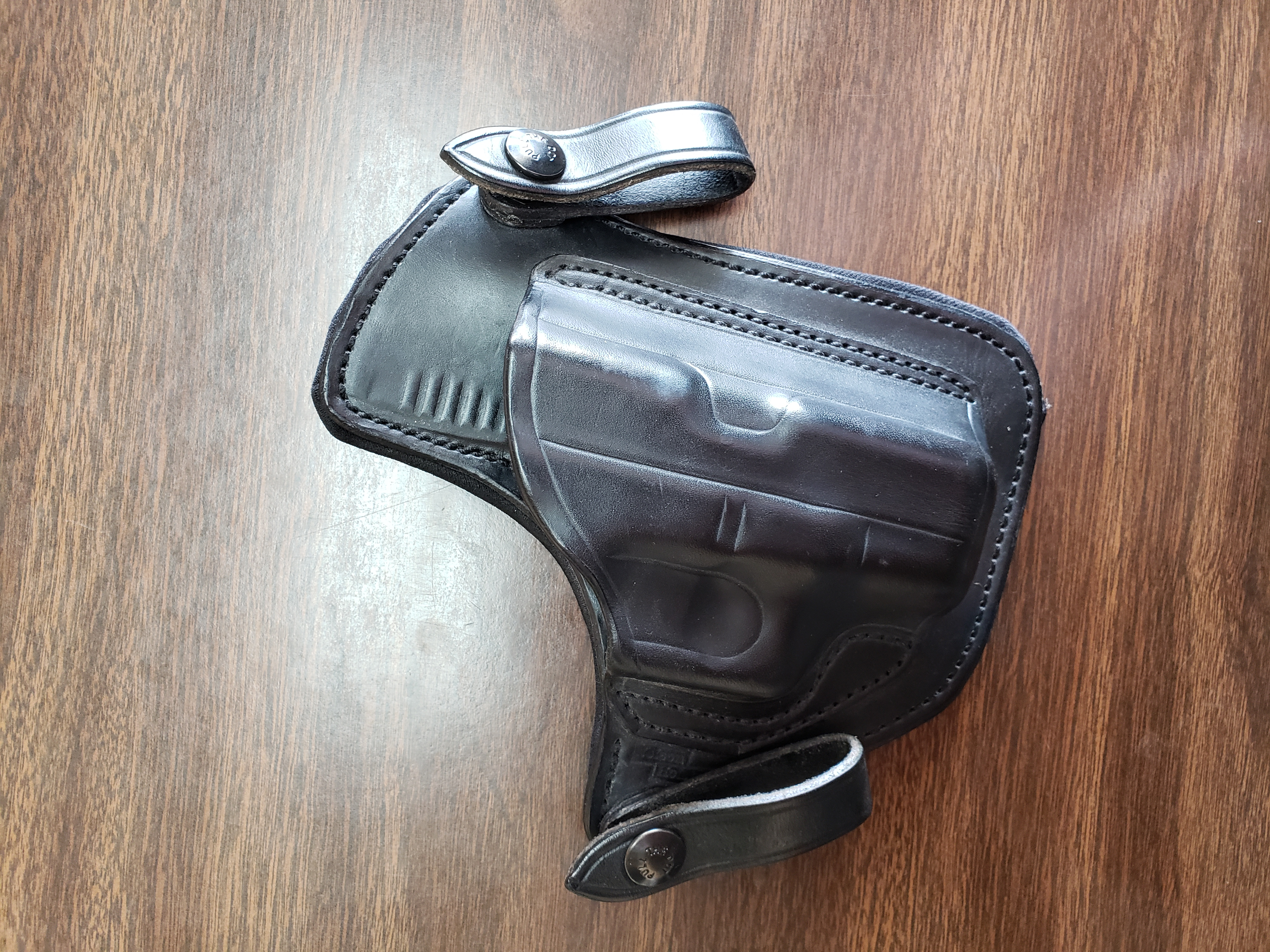 WTS Nelson Leather Glock 26 Holsters-20180926_111508_1537978872003.jpg
