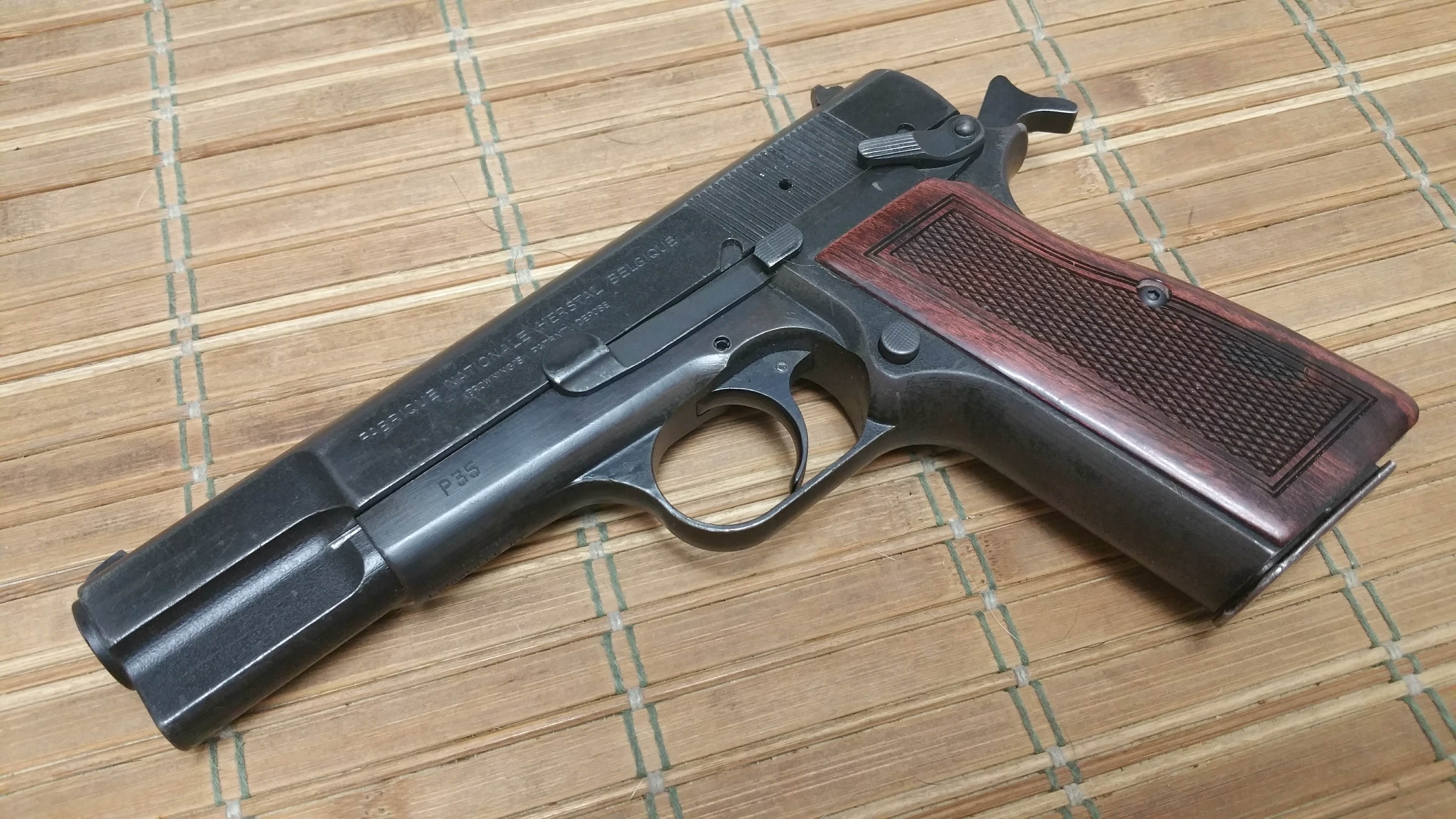 """Which pistols are only 1"""" thick and double stack besides the P365?-20190103_001339.jpg"""