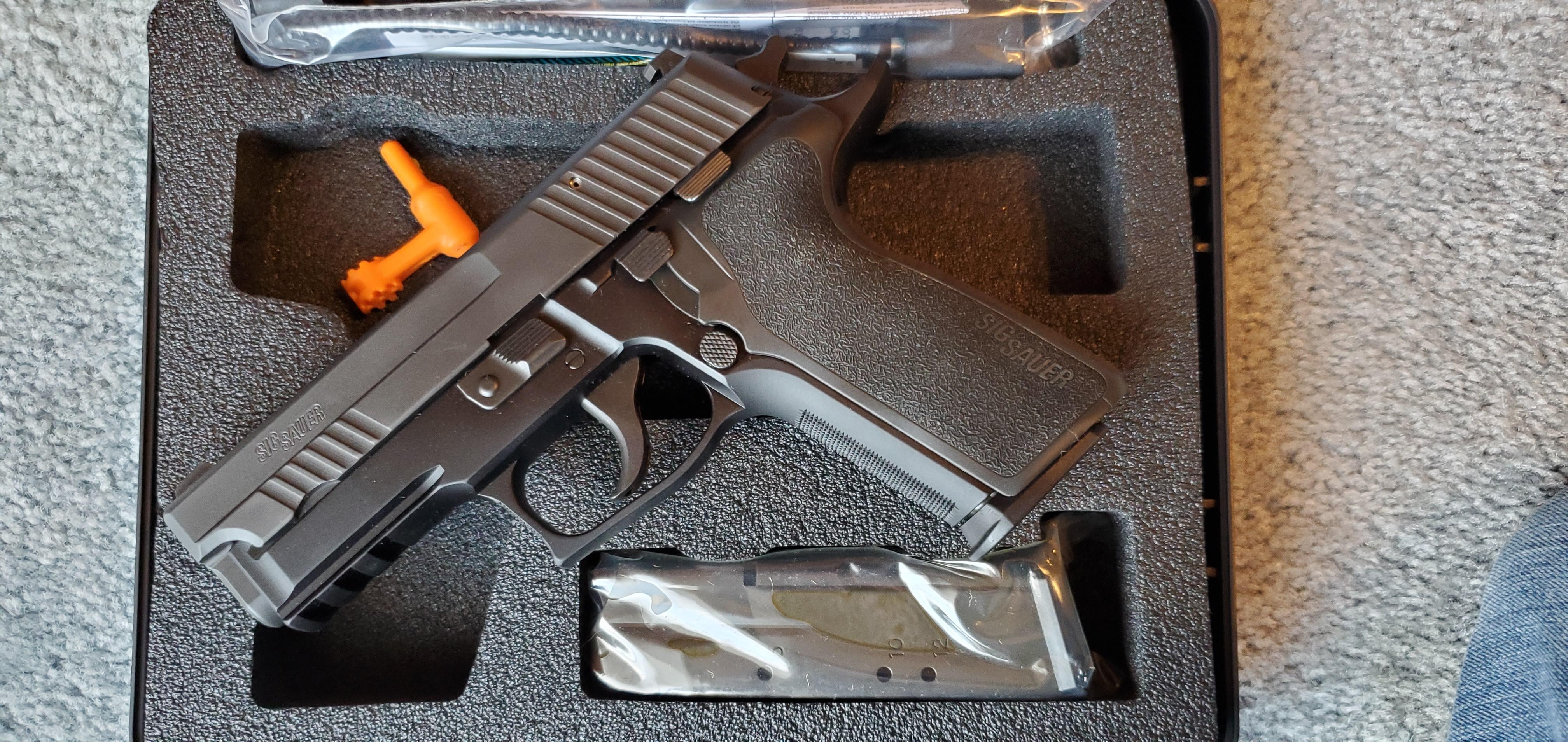 SIG P229 Enhanced Elite 40SW-20200103_160531.jpg