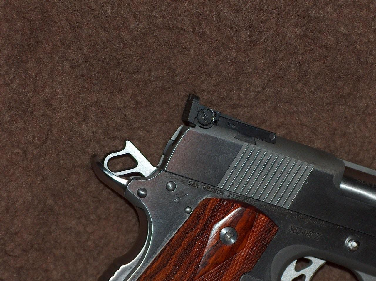 Replacing DW PM7 rear & front sight for carry-3.jpg