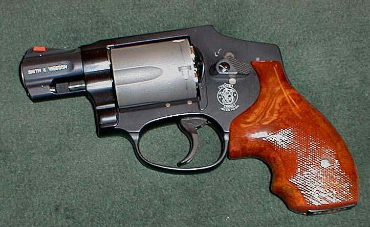 Just picked up a S&W 642 need some pics-340-pd-brown-safariland-grips.jpg