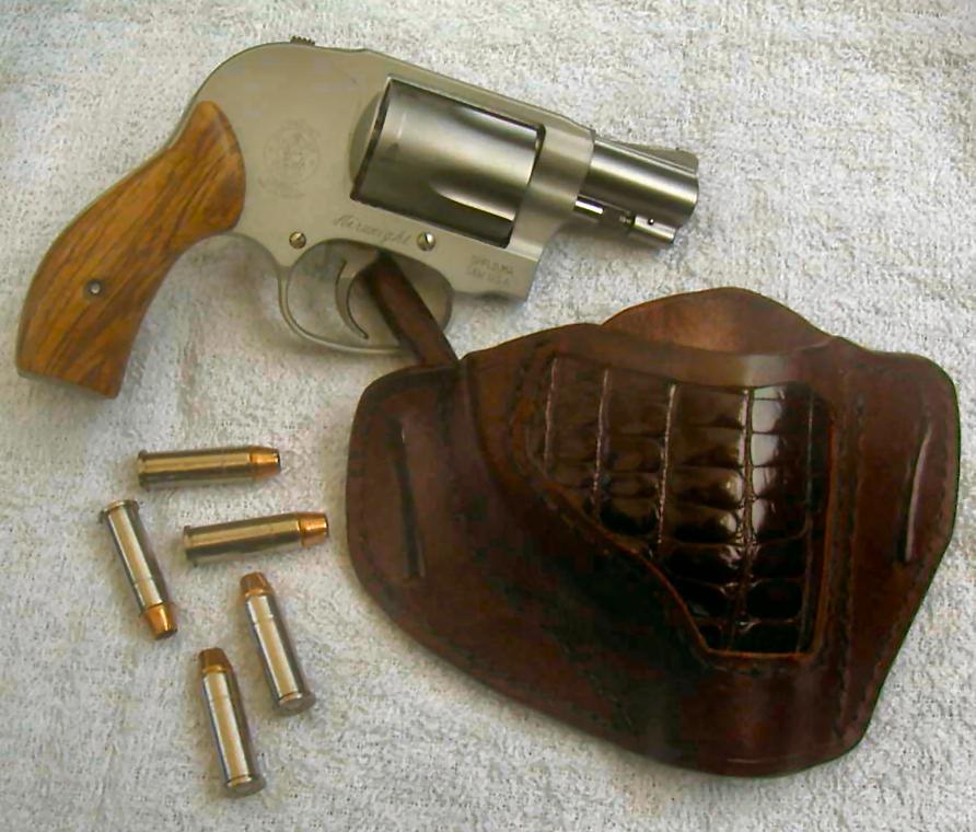 New Holster & Grips for S&W 638-5-26-10.jpg