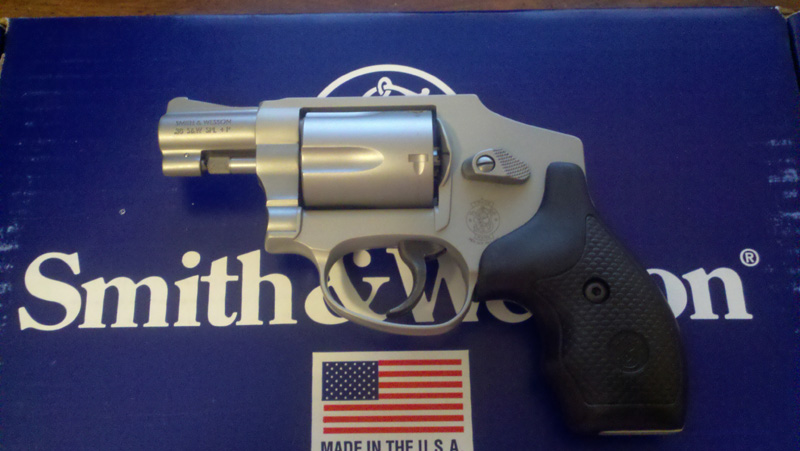 Bought my first snubbie today - S&W 642-1-6421.jpg