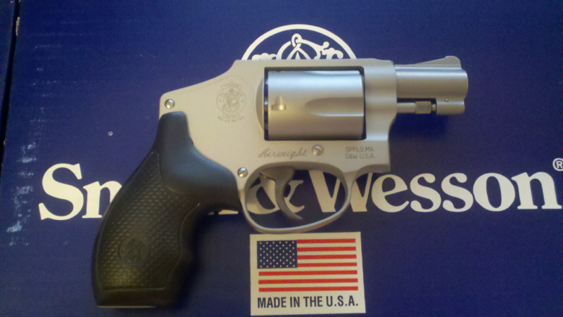 Bought my first snubbie today - S&W 642-1-6422.jpg
