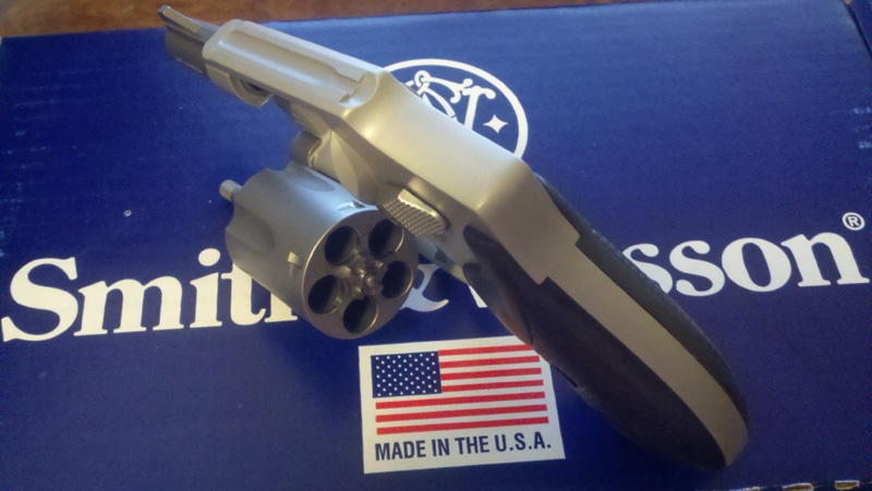 Bought my first snubbie today - S&W 642-1-6423.jpg