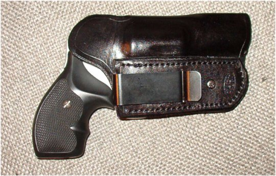 Pictorial: How You Carry Concealed-642_tuck.jpg