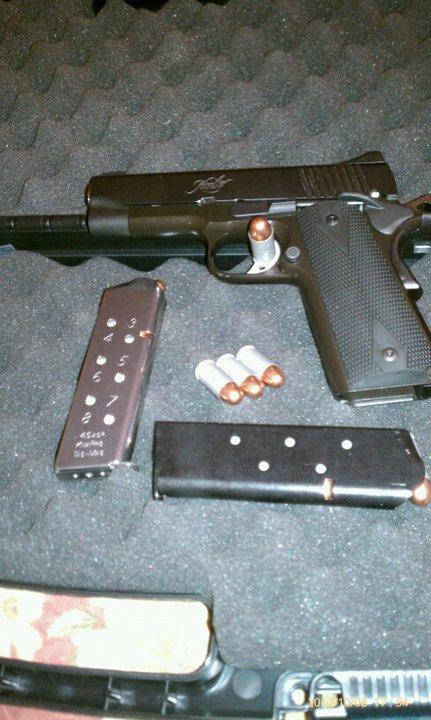 Gun Porn.-64608_1644104743915_1275761153_31798176_1191350_n.jpg