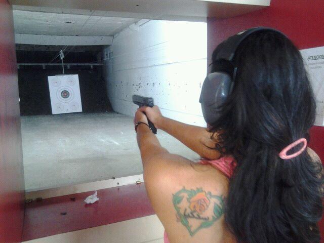 My little girl at the range-68469_10152214737165290_1080866255_n.jpg