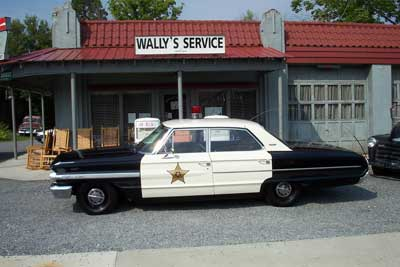 Here's a new take on a CC Badge-8-mayberry-squad-car-.jpg