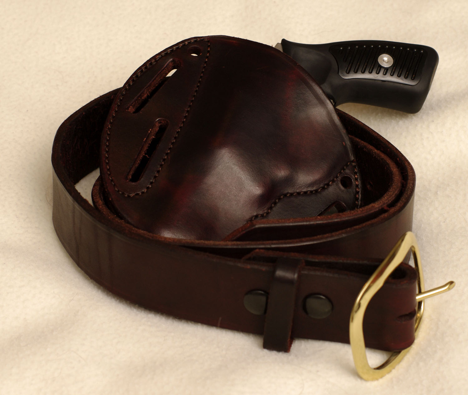FS simplyrugged silver dollar pancake holster sp101, belt and ammo pouch: Alabama-_igp0412.jpg