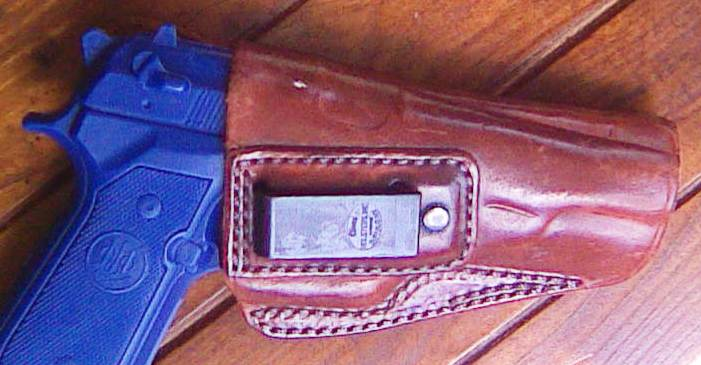 Hand boning leather holsters-alessi-1-.jpg