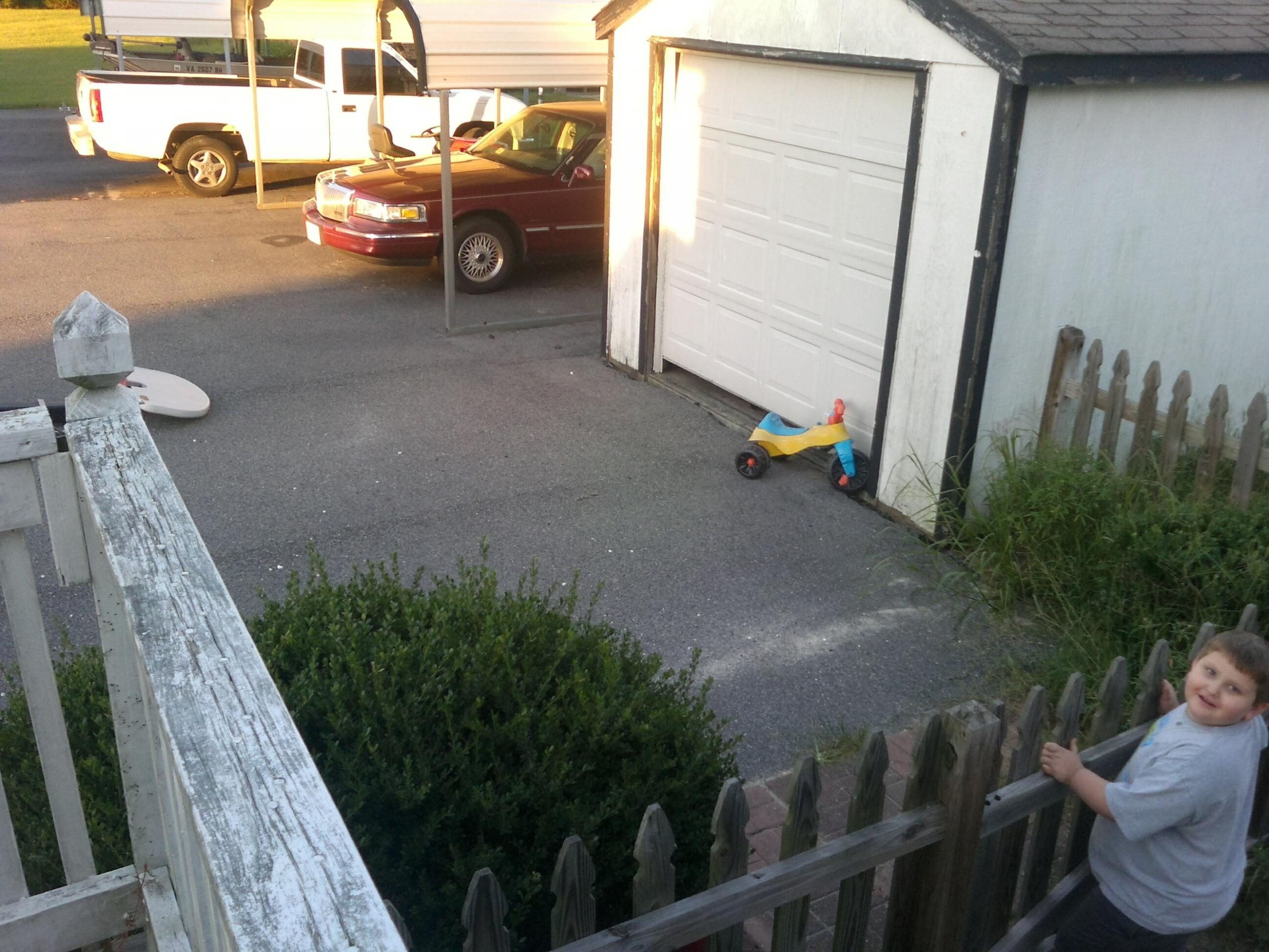 Wife just saw the business end of my neighbor's shotgun. LEOs inbound.-area.jpg