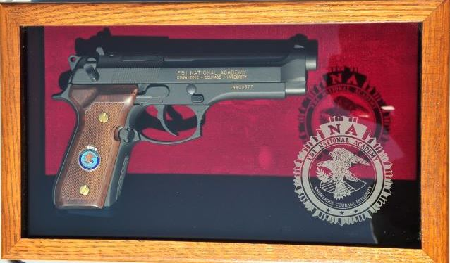 Beretta 92F FBI Academy Commemrative-beretta-box.jpg