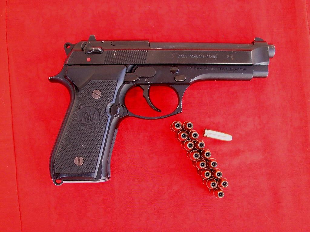 First time shooting indoors, and my Beretta 92FS!-beretta-m9-small.jpg