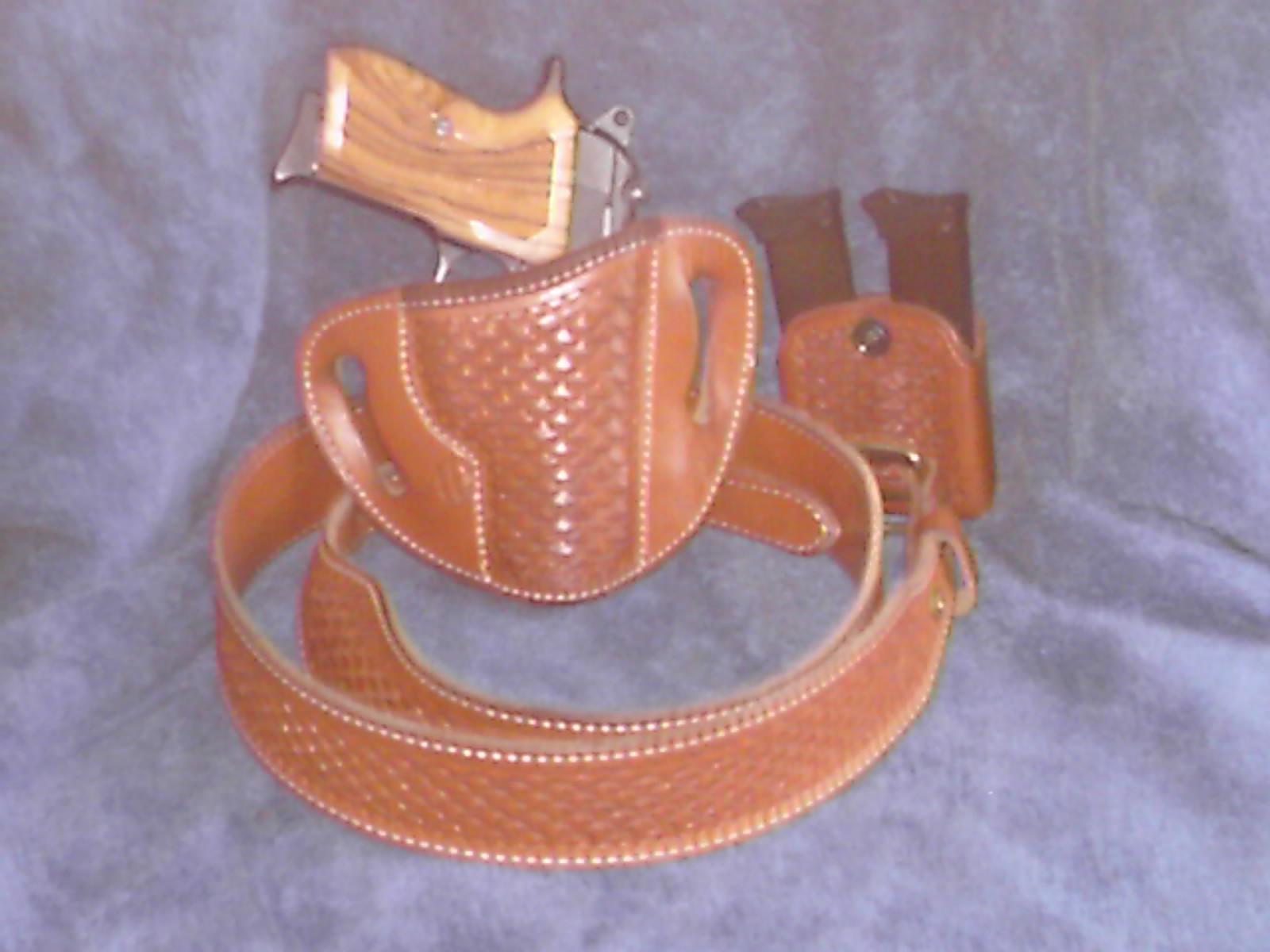 Pics of holster, belts, and guns.-bersa-rig-001.jpg