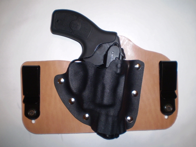 Another really nice Tommy Theis holster-bodyguard38-holster.jpg