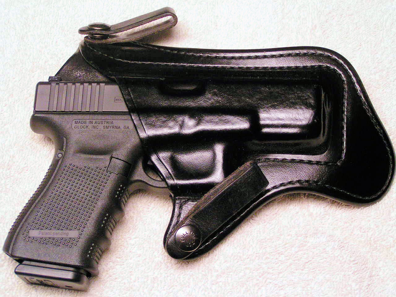 How do you CCW when jogging?-brommeland-nahan-glock.jpg