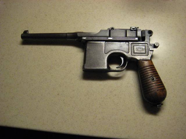 Bought an old CLIP fed pistol today.-broomhandle_l.jpg