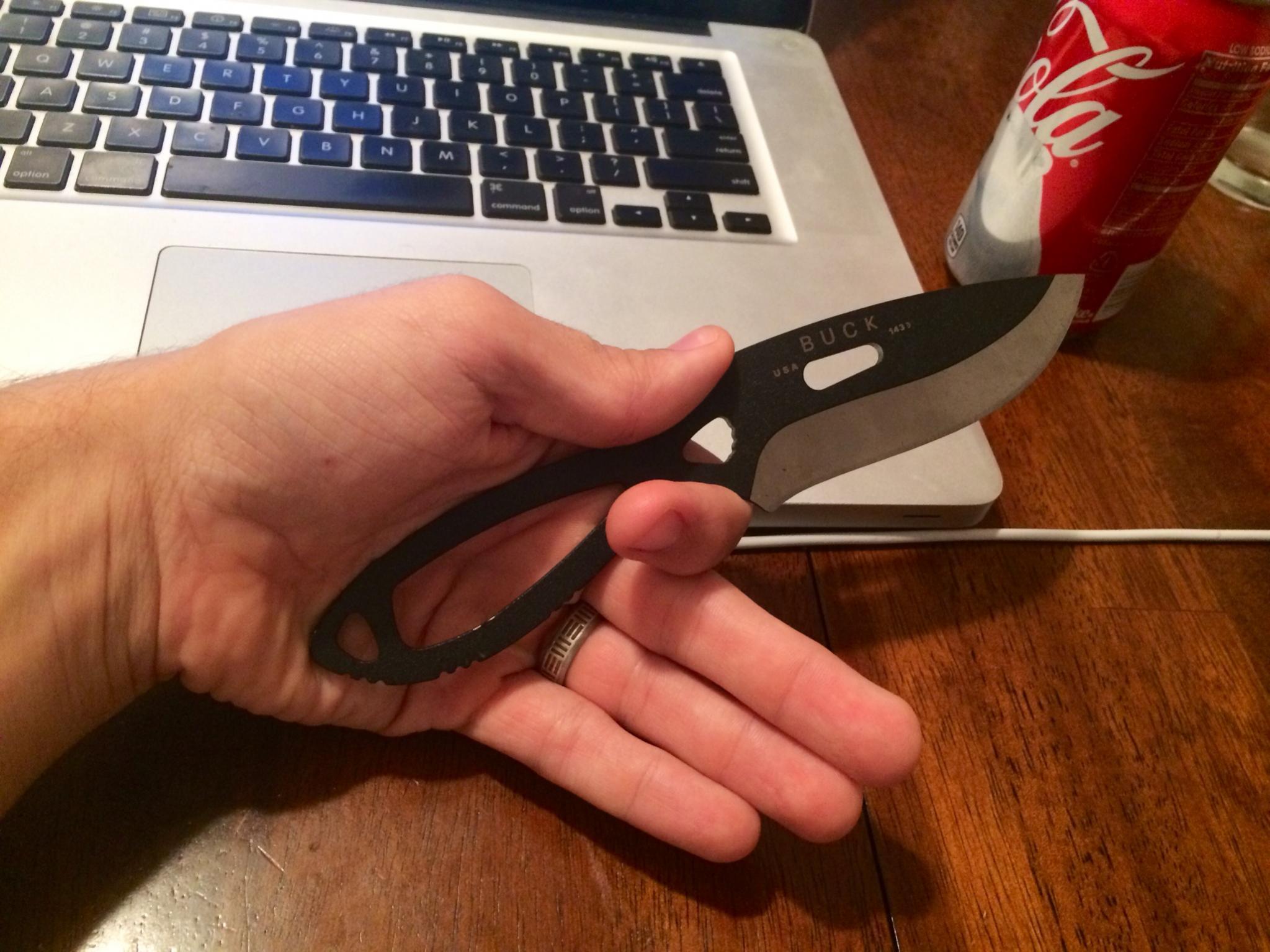 Knife for Field Dressing-buck.jpg