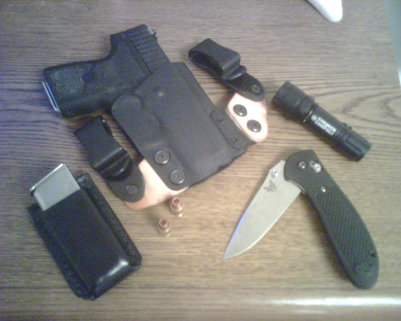 Kydex holster for Kahr PM9?-carry-rig.jpg