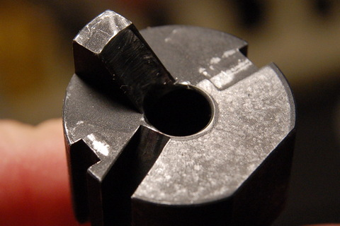 Review: CMMG .22lr conversion for AR-15-chamber-poor-extractor-recess.jpg