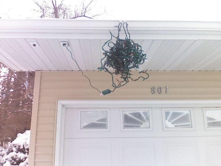 Tips on hanging Christmas Lights-christmas-lights.jpg