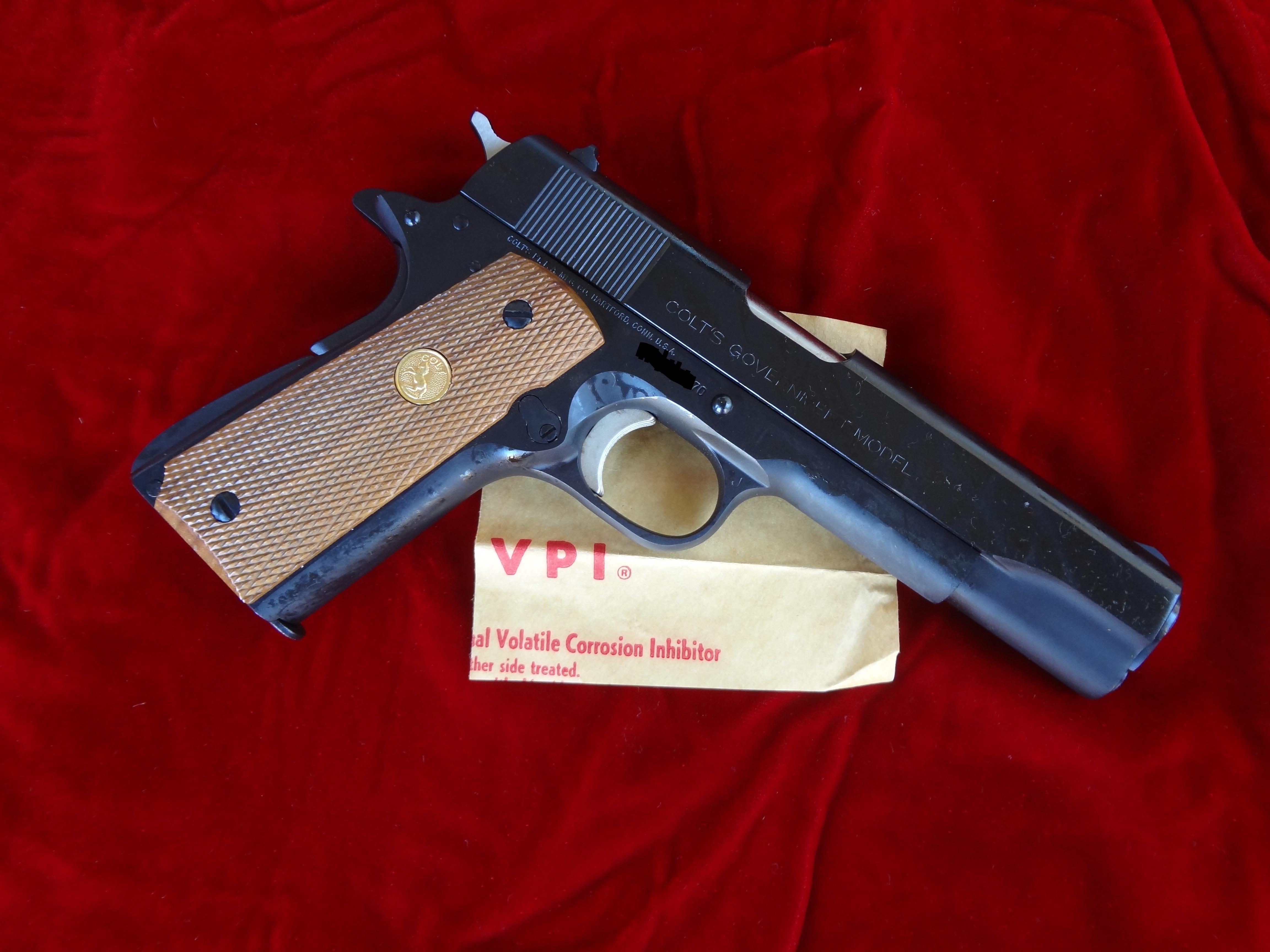 Colt 1911 BNIB Government Series 70-colt-1.jpg